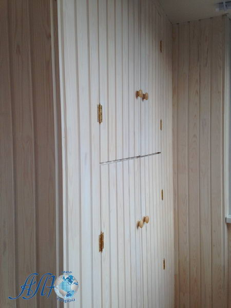 отделка балкона со шкафом фото